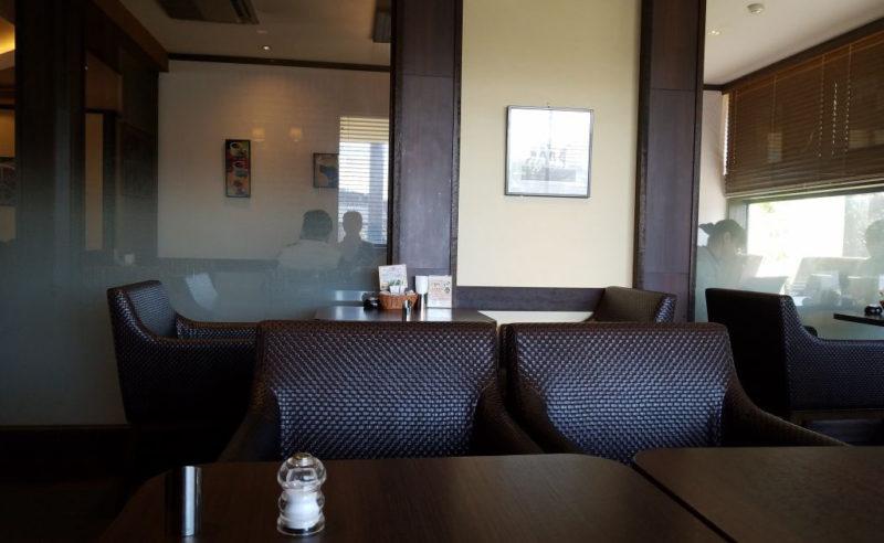 高倉町珈琲の半個室スペース